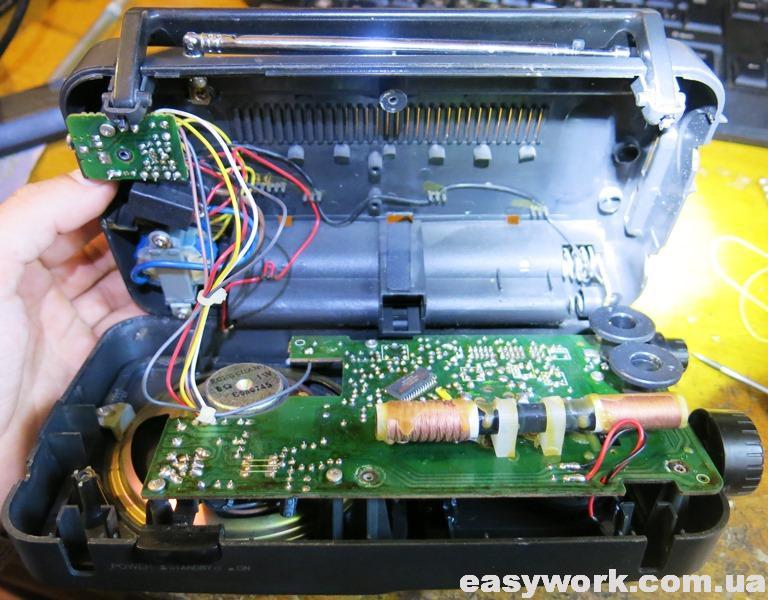 Внутреннее устройство радиоприемника Aiwa FR-C52 EZ