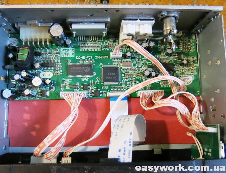 Внутреннее устройство магнитолы FANTOM FP-4050